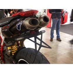Mad Doctor's portatarga Ducati Hypermotard con fanale e frecce Aeroled