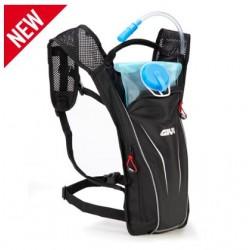 EA111 Givi zaino con borsa porta liquidi 2 litri